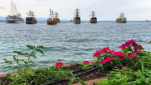 Пиратская яхта Турция Аланья