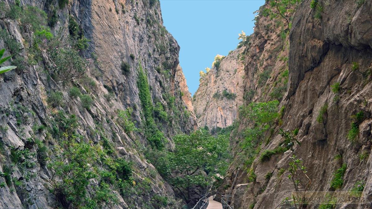 Каньон Сападере и пещера гномов