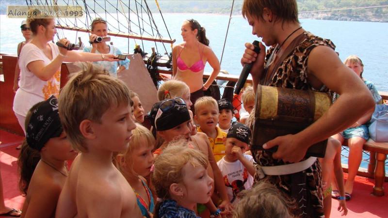Пиратская яхта